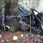 Pärnumaal hukkus autoga vastu puud sõitnud mees