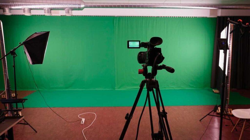 Daous Studio Green screen